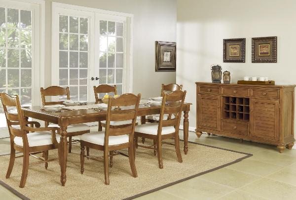 Hadley Pointe Honey Pine Dining Set, Wynwood Dining Room Set