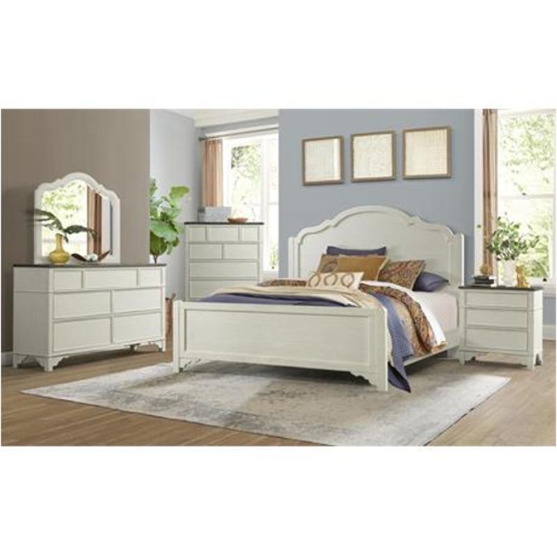 17264 Riverside Furniture Grand Haven 3 Drawer Bachelor Chest