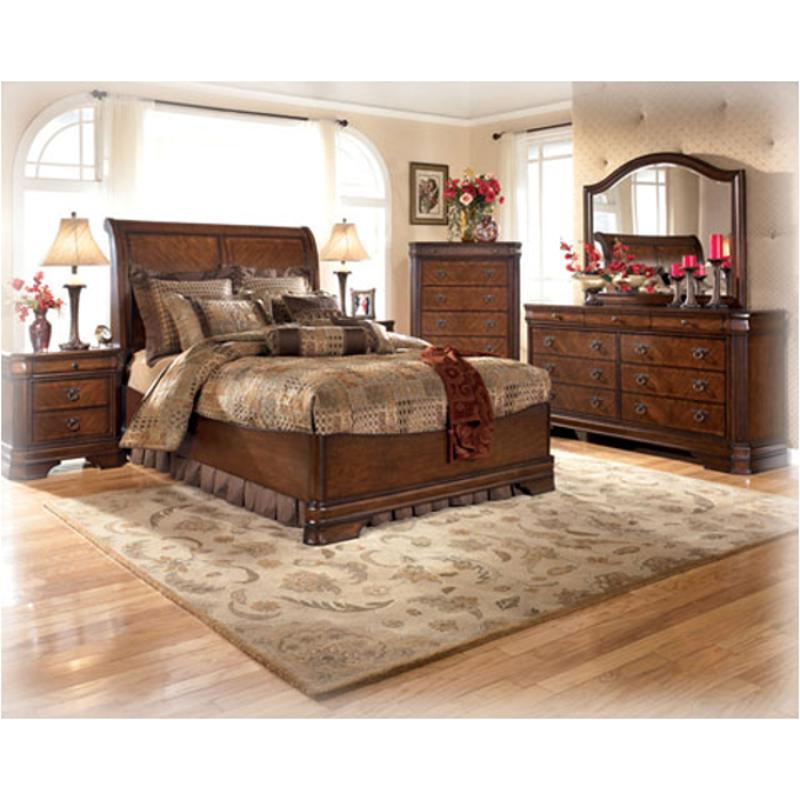B527 58 Ashley Furniture Hamlyn King Panel Bed With Platform Fb